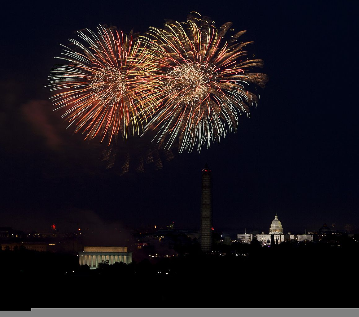 Fireworks_are_seen_exploding_over_Washington,_D.C.,_for_Independence_Day_from_Joint_Base_Myer-Henderson_Hall,_Va.,_July_4,_2013_130704-D-NT551-001